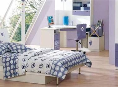 可爱漂亮整洁的儿童床