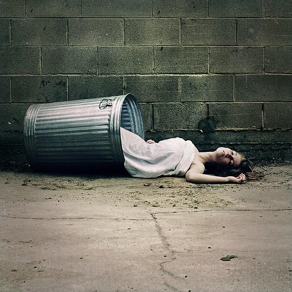 Brooke Shaden作品之当生命逝去的时候