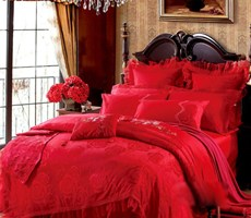 温暖床品浓情蜜意婚床设计
