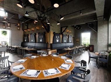 颠覆创意的熊工厂造型的餐厅设计
