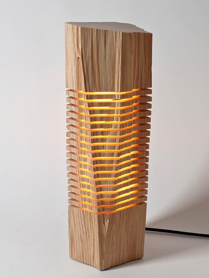 艺术般的极简木雕灯具