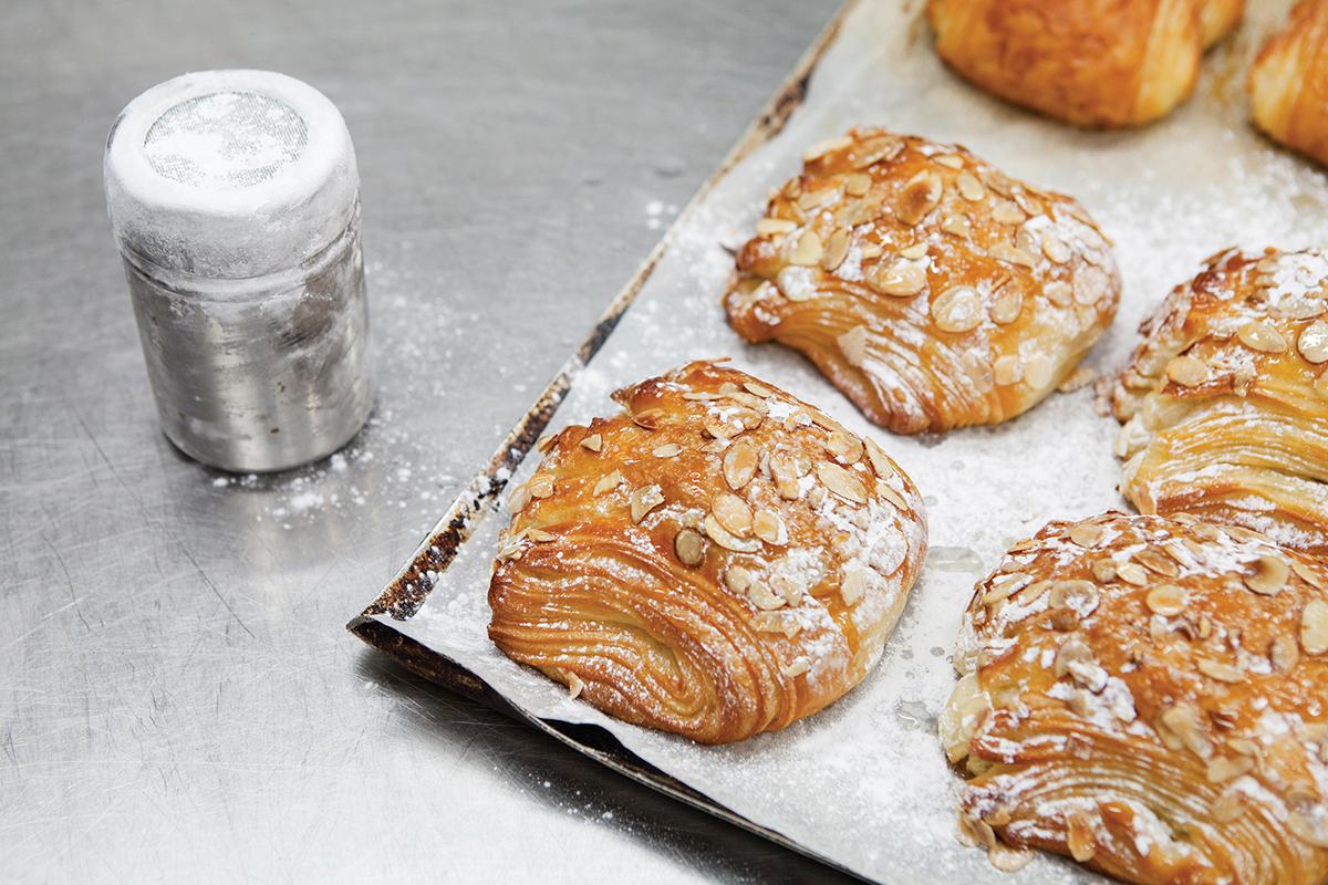 Flour Pot面包店品牌形象