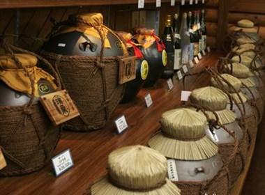 日本精美的陶制酒包装设计