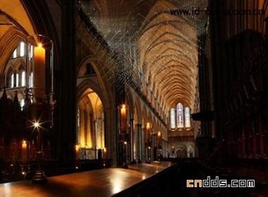 """""""光之浴""""的索尔兹伯里主教堂"""