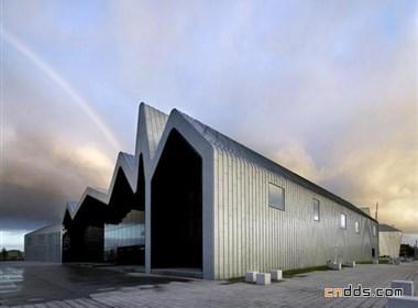 用波浪称起的无柱空间-滨江博物馆