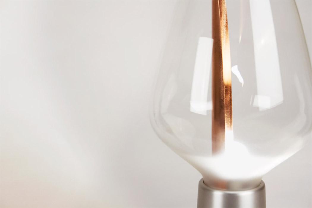 Lyrea台灯