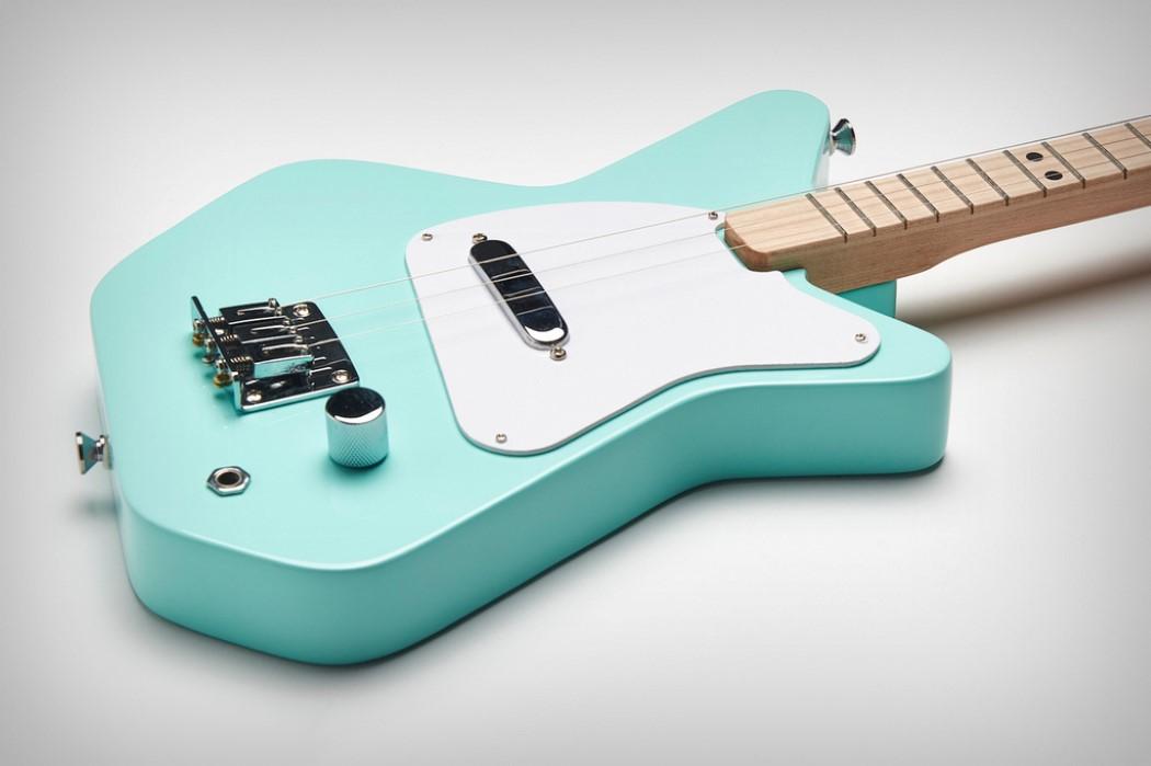 专为孩子设计的迷你吉他
