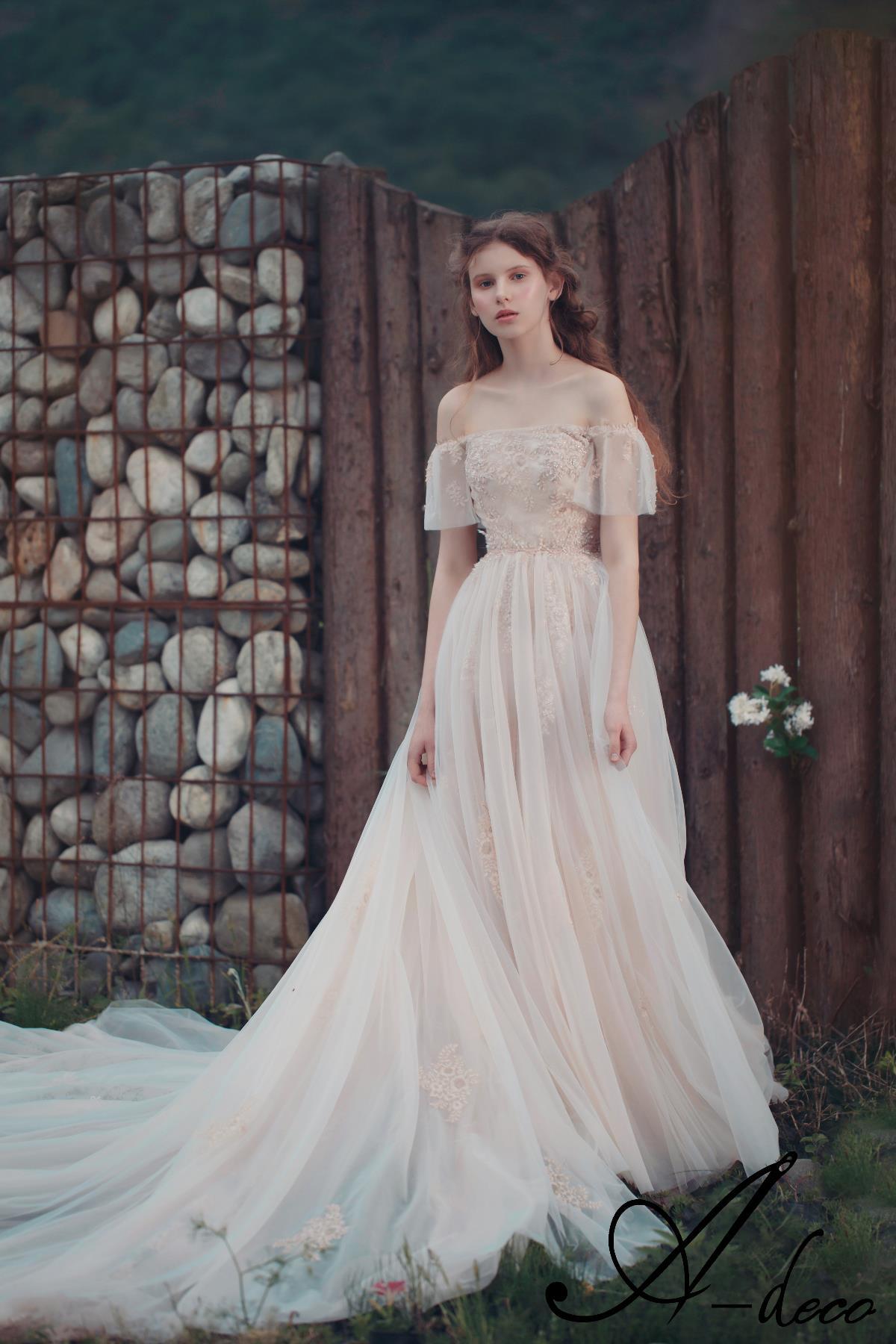 初夏—婚纱服饰设计