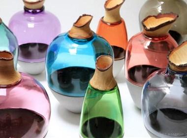 手工制作的五彩容器