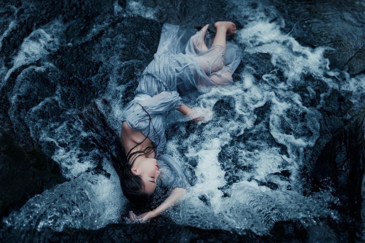 沉没的石砾.