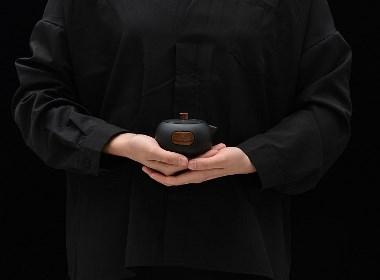 """四项""""黑苛技"""",2017 G-Mark设计大奖入围作品,一款无法描述的喝茶神器"""