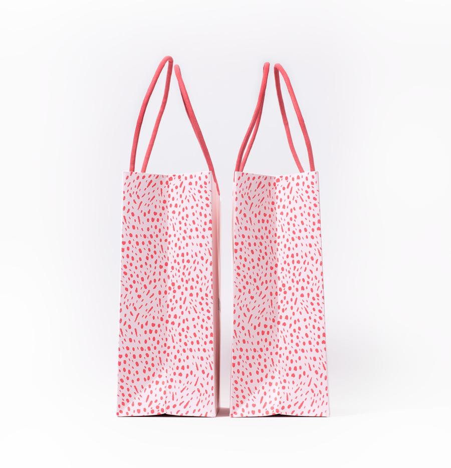 粉色少女心——国外某时尚品牌VI设计