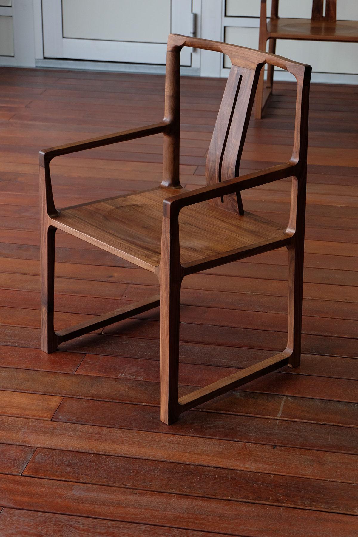黑胡桃木椅