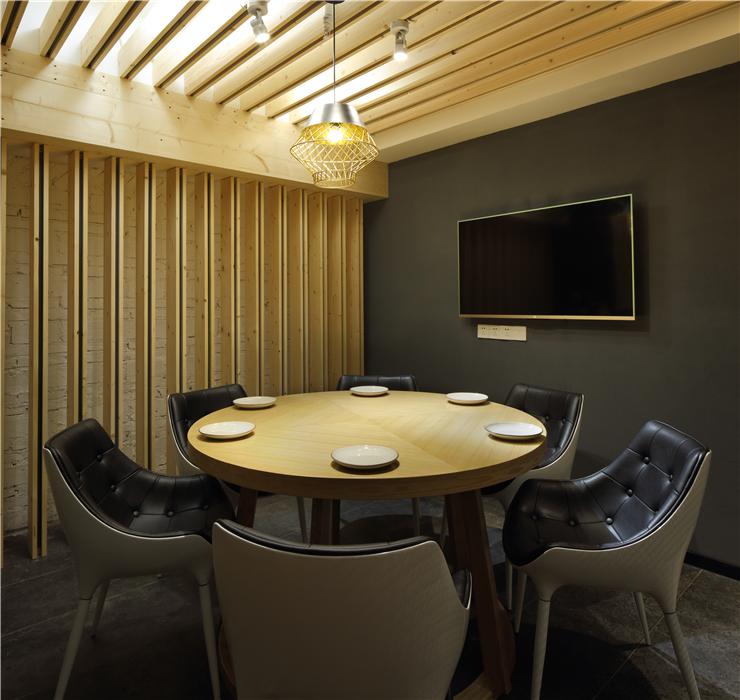 《课程很二》成都餐厅基础装修设计 成都老板设计特色机械设计zddc1图片
