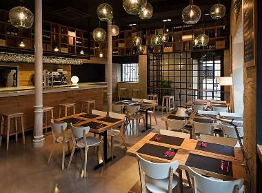 好想开一家这样的西餐厅-木质装修风格-成都西餐厅设计|成都西餐厅设计公司