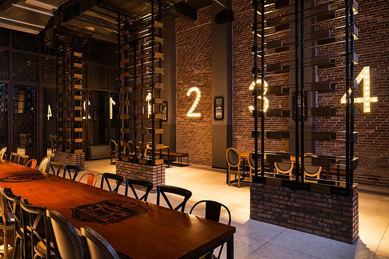 成都创意中餐厅v案例案例,成都中餐厅装修牌匾广告设计规茫图片