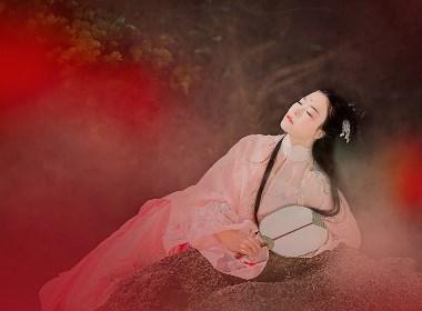 《月季闻短溪》—人像摄影