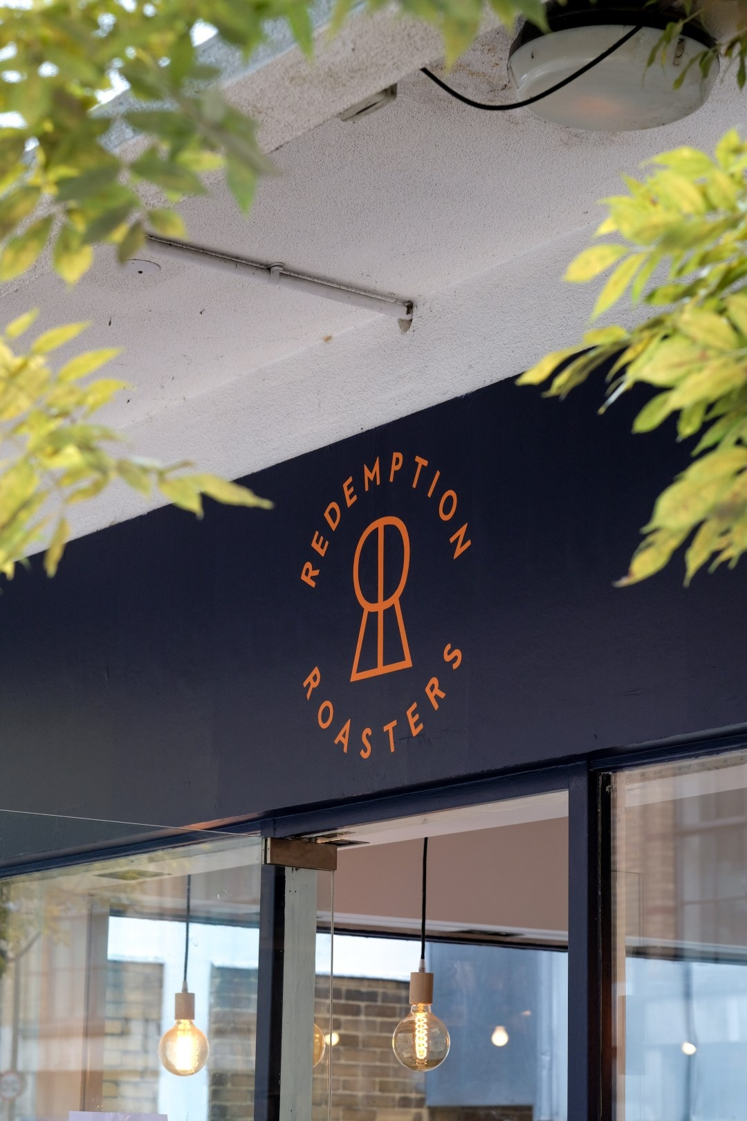 Redemption Roasters咖啡店品牌和包装设计