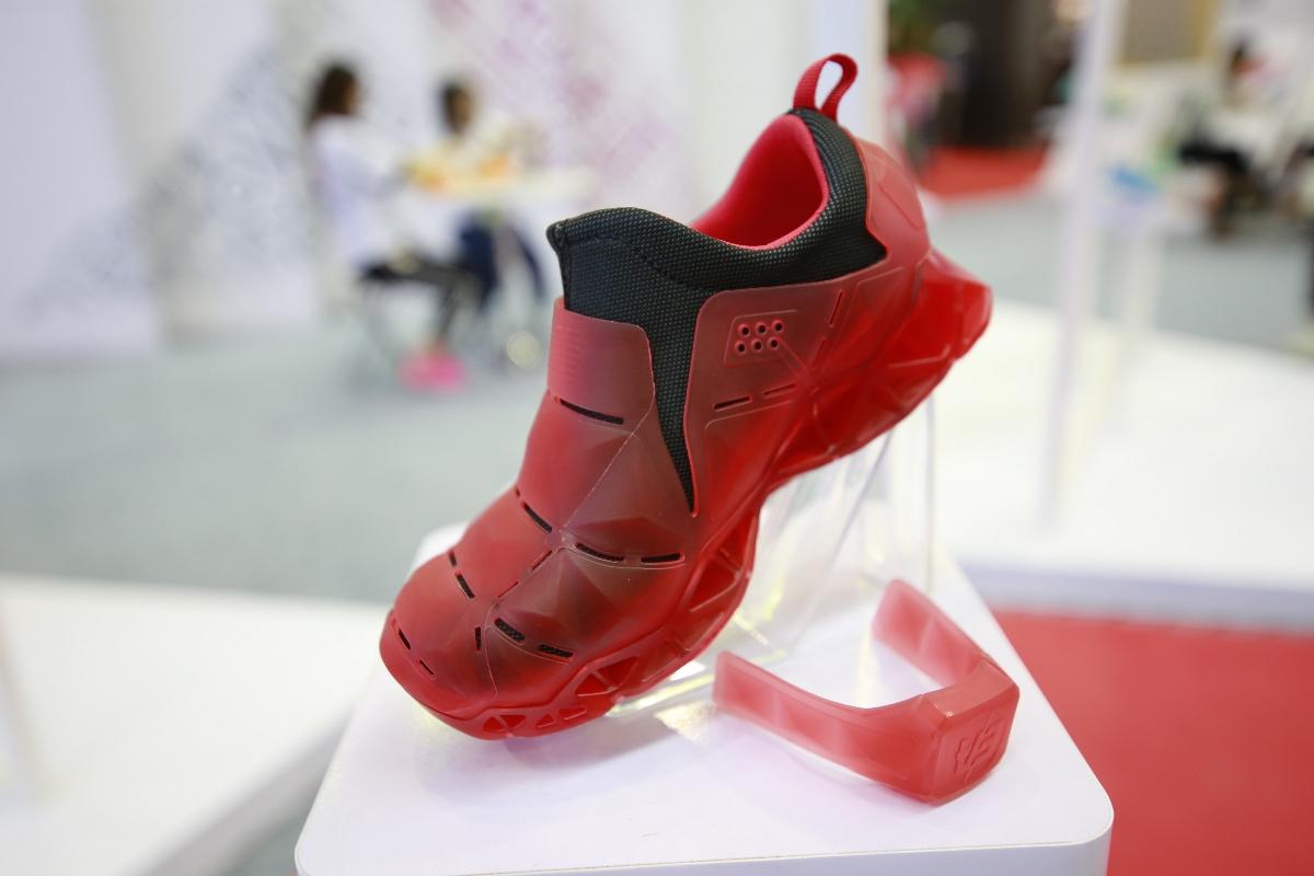儿童智能鞋