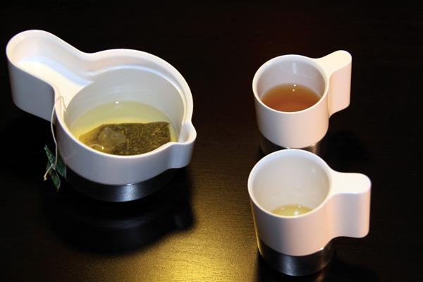 茶壶与茶杯之间的纽带