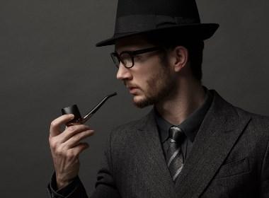 灵感来自时下流行的电子烟而设计的烟斗