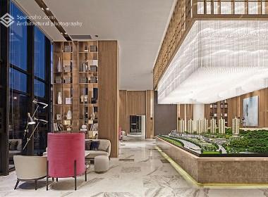空与间建筑摄影:极致原木 | 贵阳万科翡翠传奇销售中心
