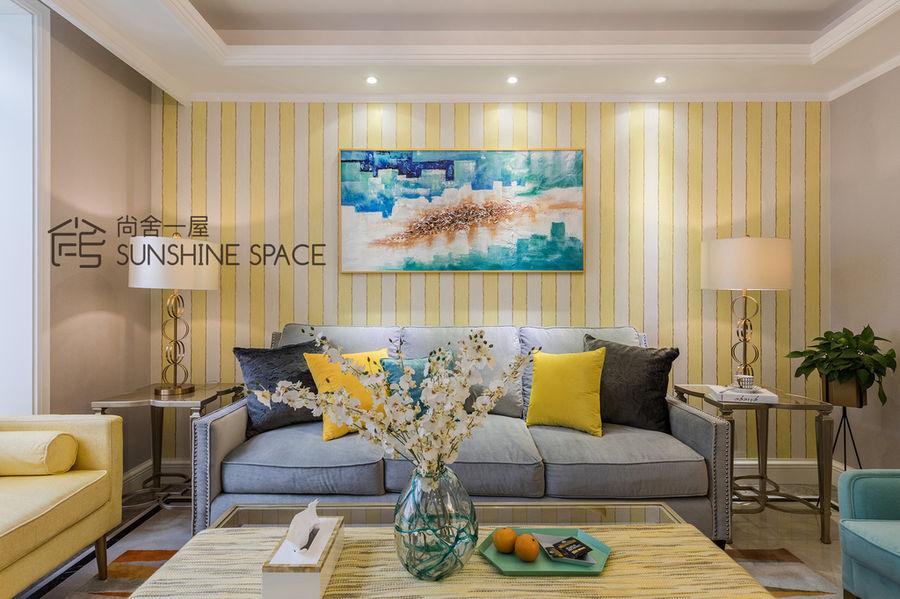 深與淺、鮮明與細膩,遵循的色彩搭配的新家