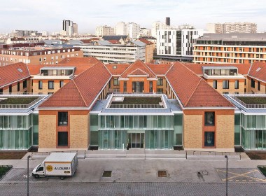 玻璃与红砖的协奏曲 l 巴黎疗养院设计