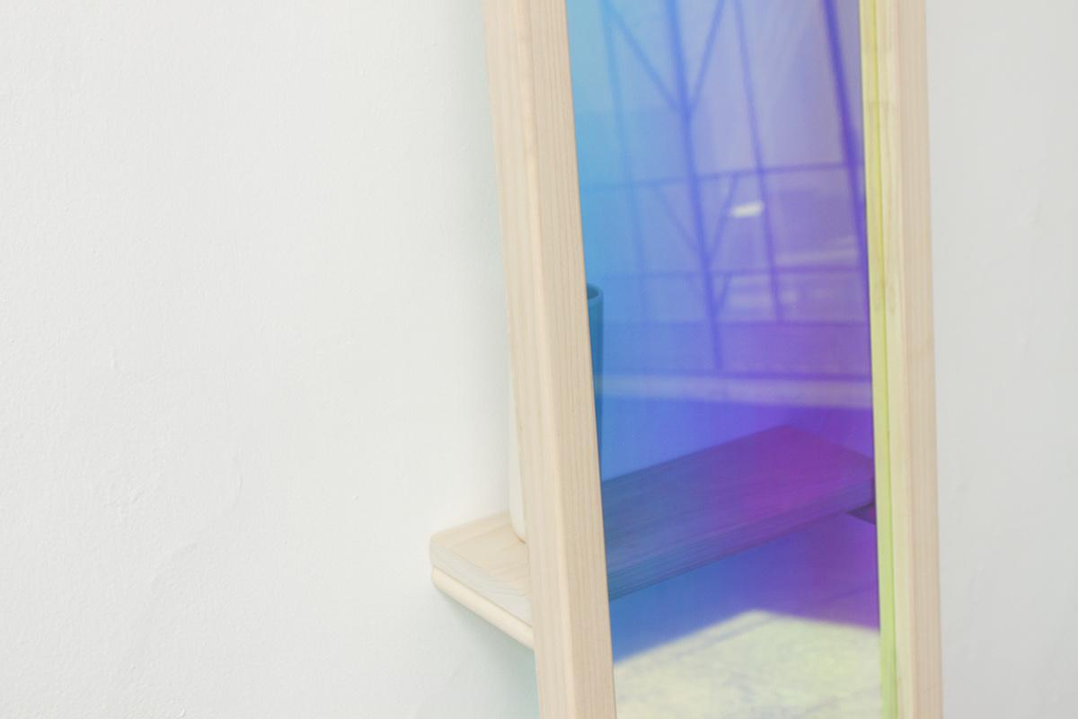 立式彩色镜面设计