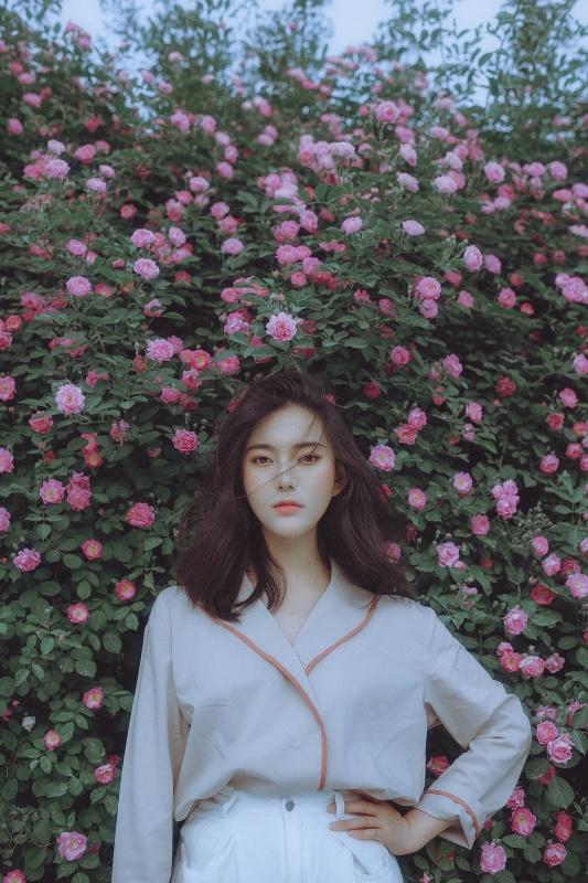 花与女孩—人像摄影