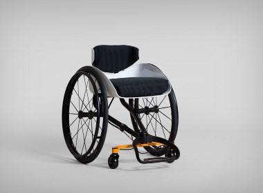 轮椅将靠背变成方向盘