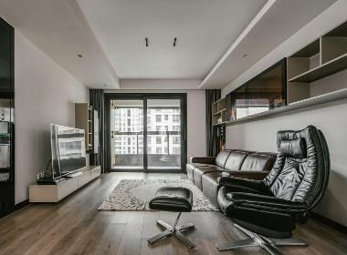 尚汇豪庭 时尚酷劲之家主卧开启开放式酒店公寓模式