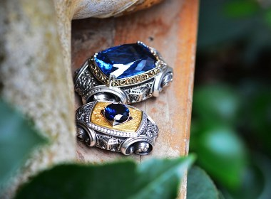 将复古与浪漫,自由与不羁巧妙结合珠宝首饰。