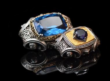 有一万闲钱,换手机还是买珠宝?