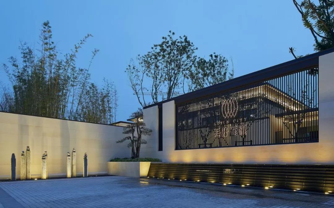 臻品空间设计(深圳):亚新·美好莲城销售中心