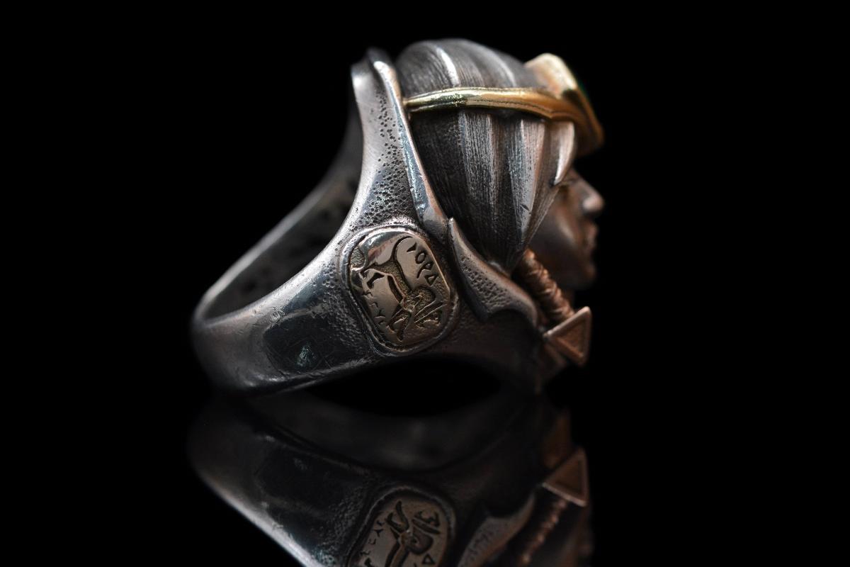 戴上它,去征服世界。