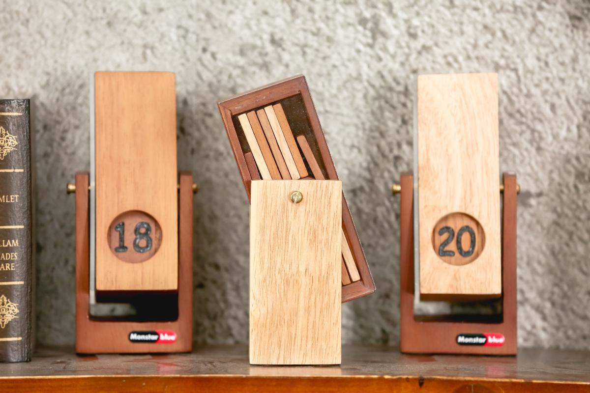 """历历在""""木"""",一个长在木头里的日历"""