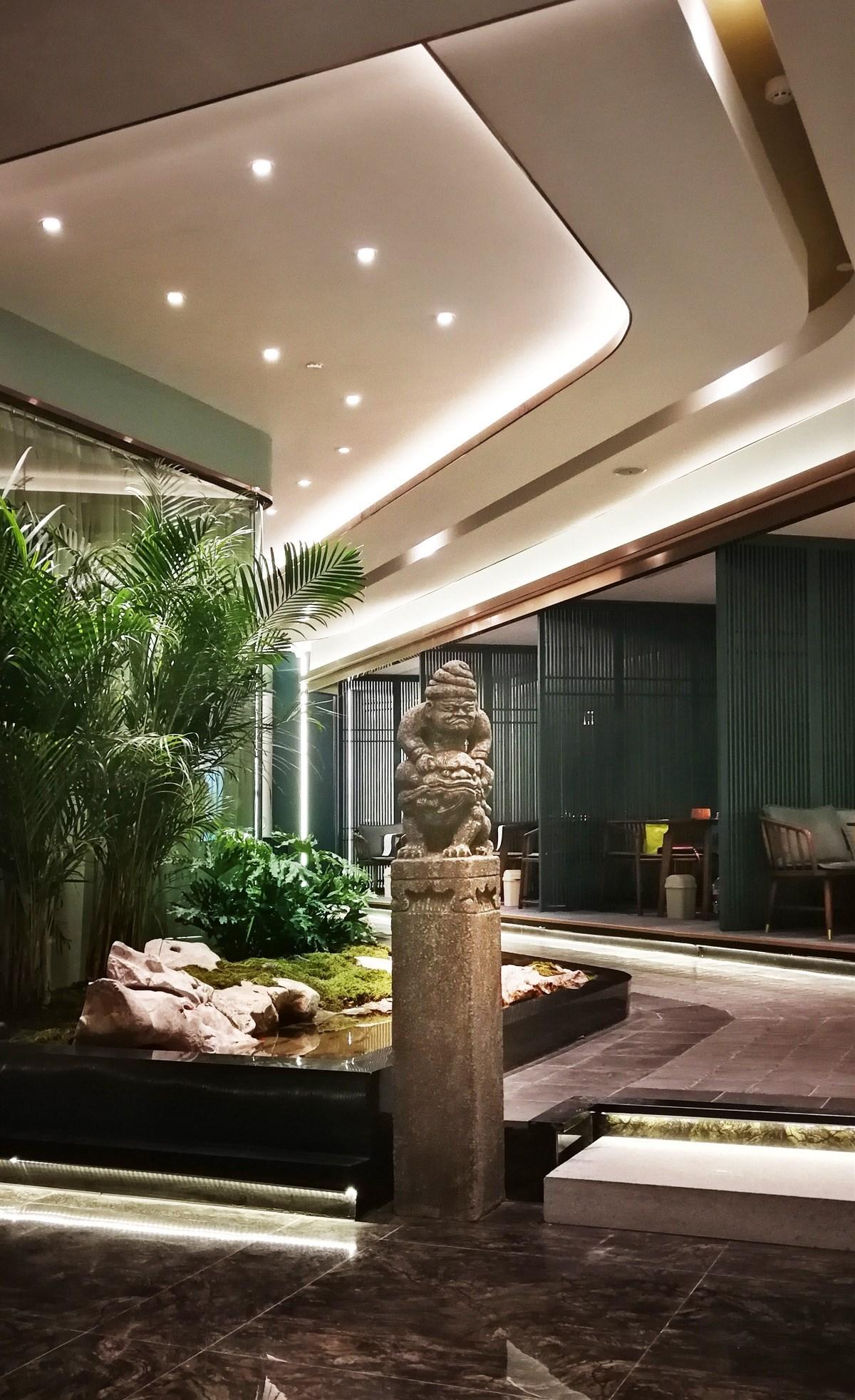 云端静舍  绿地新都会茶餐厅室内设计