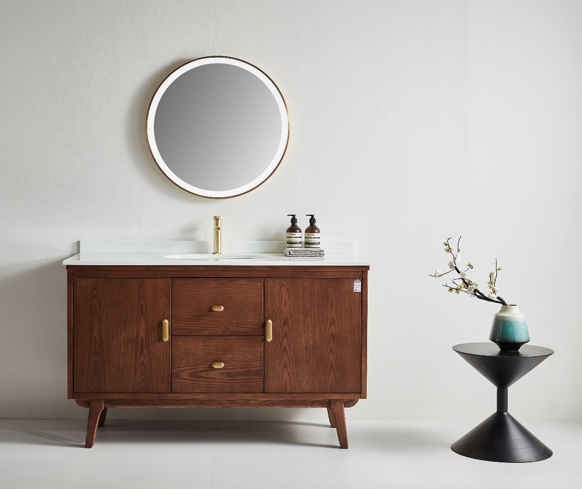 家装浴室柜摄影