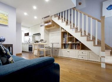 【久栖设计】斜顶复式爆改格局,楼梯包揽餐厅和收纳,让客厅显大一倍