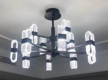 现代风格吊灯