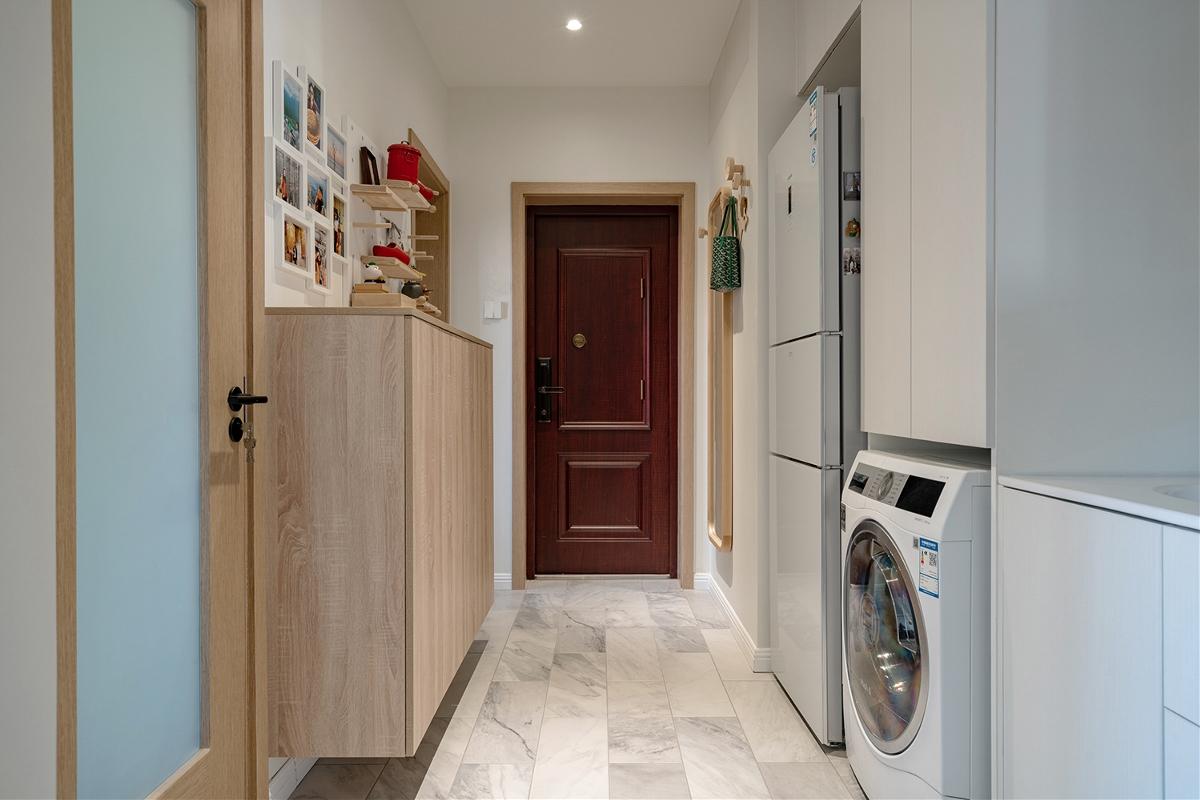 「久栖设计」小房也能拥有惊人收纳力,利用原木白墙打造清新淡雅的禅意混搭风