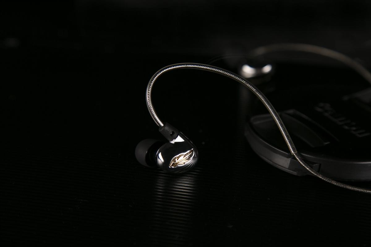 巫.Mr. Zhou 直推HIFI耳机