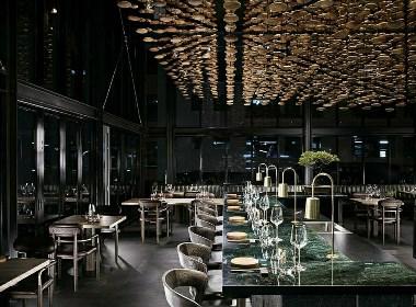 创造了一个融合日本和南非文化的时尚空间,日本沉浸式的日式餐厅
