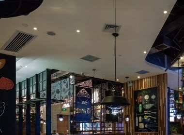 深圳鱼火锅餐厅装修升级 鱼满塘 手绘插画在餐厅中的抢眼表现