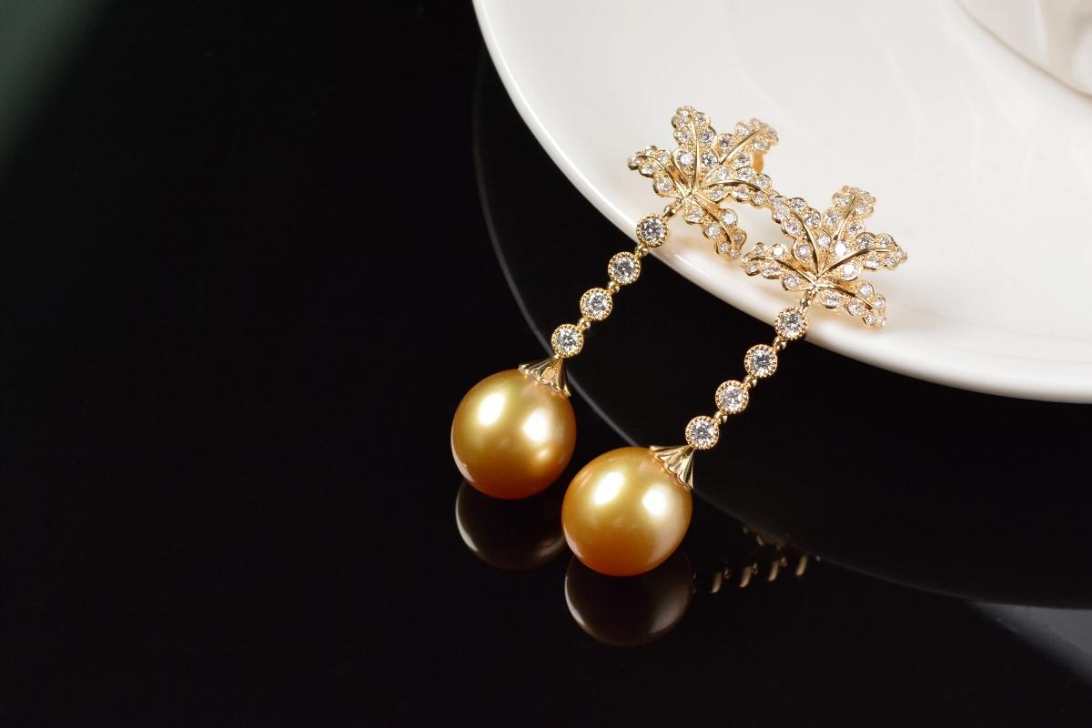 细节至上的珍珠耳环