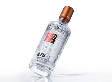 板城烧锅 年轻人的光瓶酒包装设计