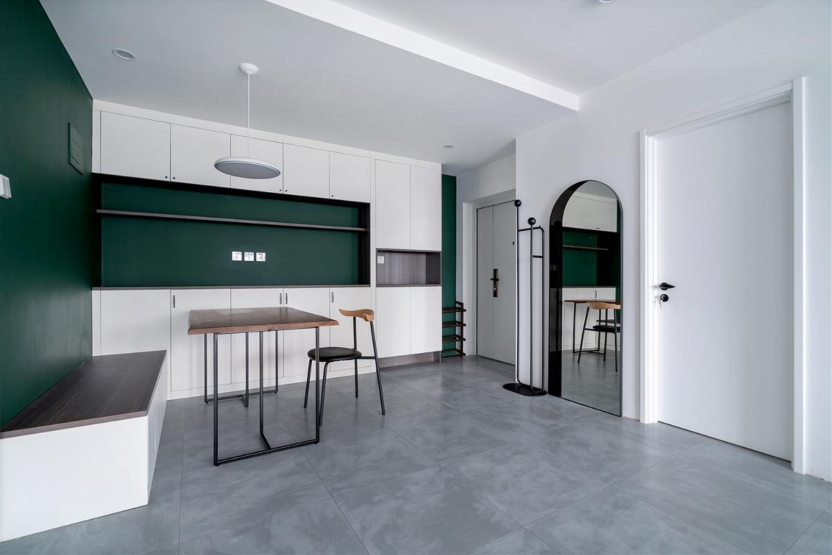 「久栖设计」墨绿+白,轻奢气质打造复古简约美宅