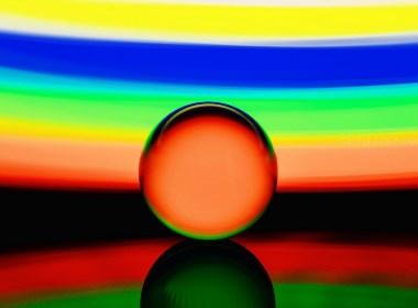 玻璃球的奇幻色彩