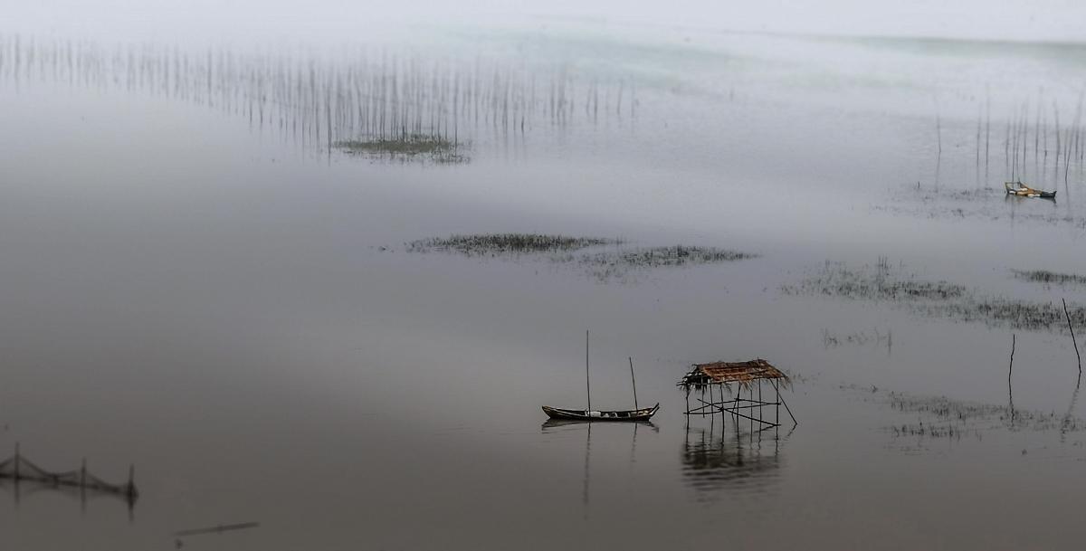 渔歌雨雾唱晚